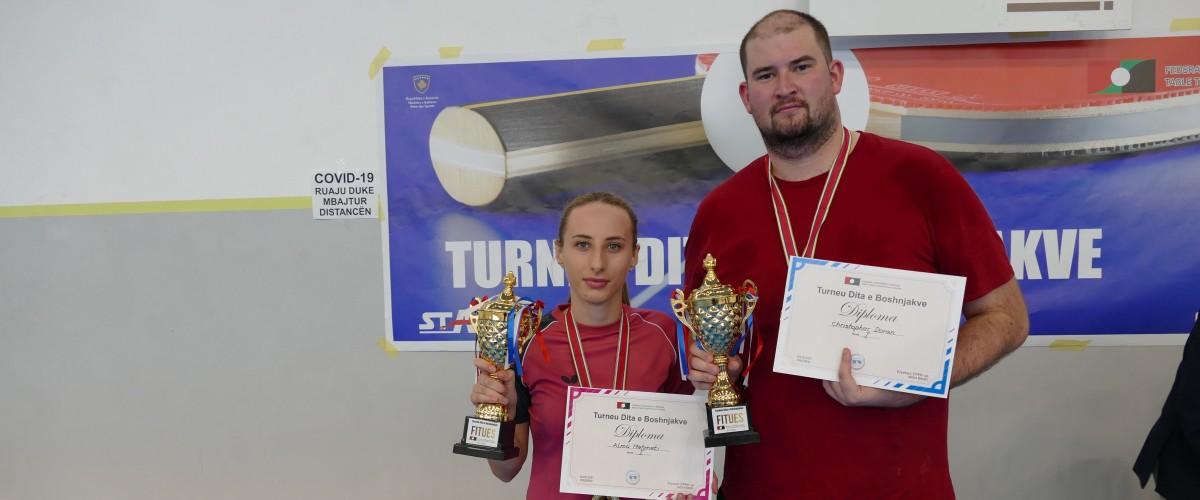 Christopher David Doran dhe Alma Mehmeti fitues të turneut Dita e Boshnjakëve